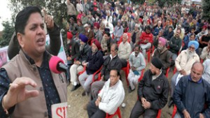 "BJP's ""Sabka Sath Sabka Vikas"" only for Valley migrants: Chuni"