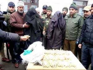 3 drug peddlers arrested, charas recovered