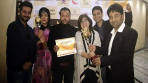 Mantostaan receives Best Film Critics Award at Rajasthan International Film Festival