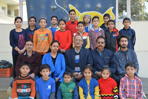 Sport Climbing campers posing alongwith dignitaries during ceremony of coaching camp at Sprawling Buds School in Jammu.