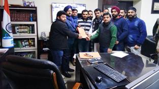 A delegation of JKPYCC submitting a memorandum to DC Jammu, Simrandeep Singh.