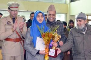 DC Pulwama felicitates Shaheera, meritorious students