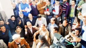 CM has lost mandate, should resign: Oppn