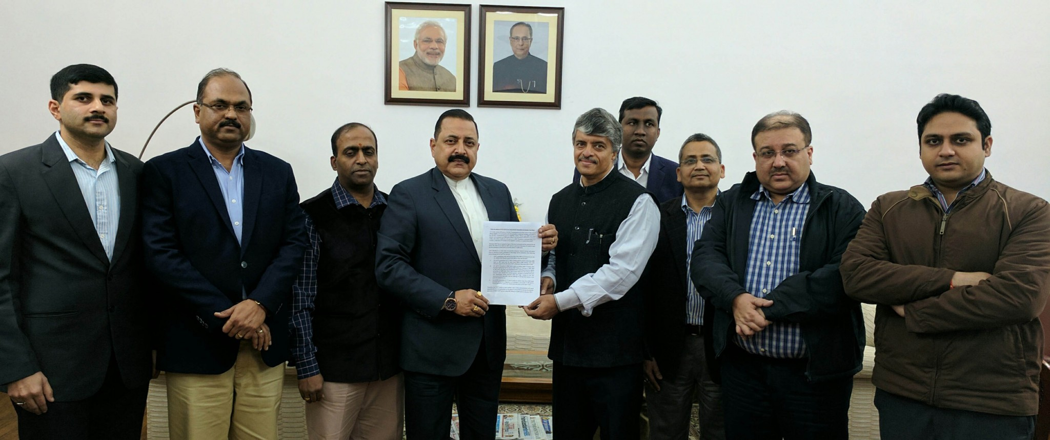 Union Minister Dr Jitendra Singh receiving a memorandum from a delegation of Indian Revenue Service (IRS) officers, at New Delhi.