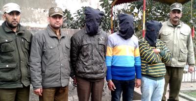Arrested thieves in custody of Udhampur Police.