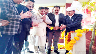 BJP leaders paying tributes to martyrs at Hiranagar on Wednesday.