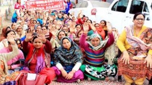 NC Mahila Wing holds protest, projects demands
