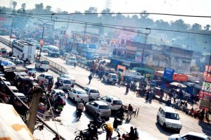 Residents demand flyover on  accident-prone Samba Chowk