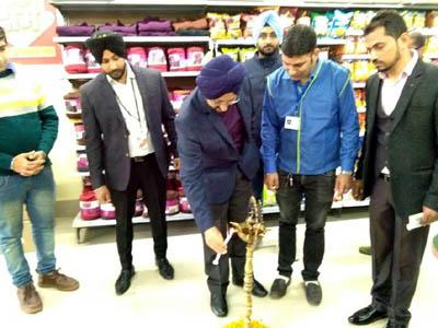 DC Jammu, Simrandeep Singh, inaugurating an Easy Day Store at Channi Himmat, Jammu.