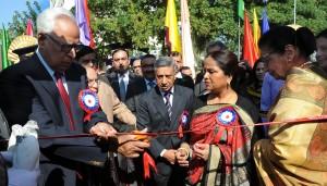 Governor inaugurates Police-Public Mela