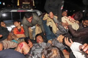 Top cops among 16 dead in Pak blast