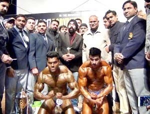 Nitish Wadera retains  Mr J&K title