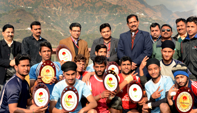 Winning team of Kabaddi Championship with chief guest at Shrine Board's Sports Complex at Katra.