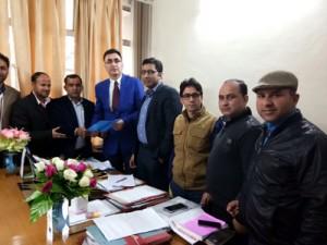 ReT teachers meet OSD to CM