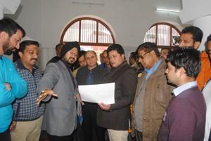 Gupta visits Mubarak Mandi School
