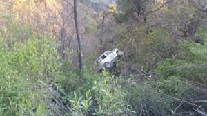 8 injured as truck  hits Tata Sumo