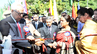 Governor N N Vohra inaugurating Police-Public Mela  at Gulshan Ground on Sunday.