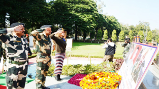 Bollywood actress Kangna Ranaut alongwith BSF officers paying tributes to martyrs at BSF Headquarters, Paloura on Tuesday.