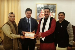 Sanskrit scholars call on  Principal Secy to Governor