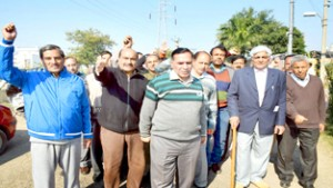 Roop Nagar residents hold  protest, demand amenities