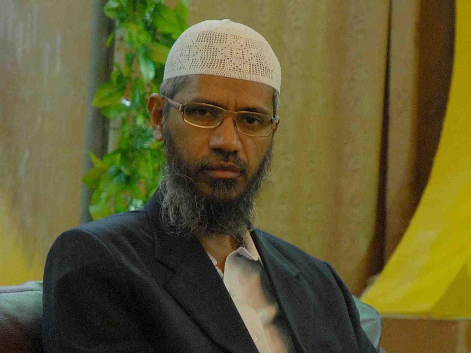 NIA issues fresh summons to Zakir Naik