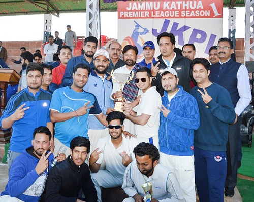 Ch Lal Singh presenting trophy to winners of JKPL at Sports Stadium in Kathua.