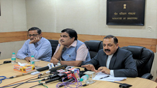 Union Ministers Nitin Gadkari and Dr Jitendra Singh briefing the media about the scheduled inauguration of Chenani-Nashri road tunnel by Prime Minister Narendra Modi, at New Delhi on Wednesday.