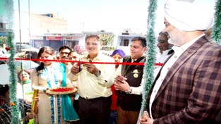 Speaker Kavinder Gupta inaugurating Heal-n-Health Pharmacy at Upper Gadigarh.