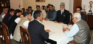 Cong delegation calls on Governor