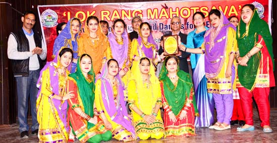 Teams of Sant Mela Singh College of Education posing with Rolling Trophy.
