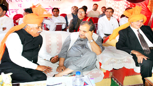 Union Minister of Steel Barinder Singh during a function at Vijaypur on Sunday.