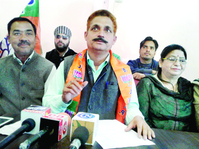 BJP leaders at a press conference at Kathua on Saturday. -Excelsior/Pardeep