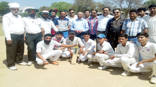Winners posing for a photograph along with chief guest Romesh Mahajan and guests of honour Ankush Abrol and Desh Rattan Dubey at GGM Science College ground on Tuesday.