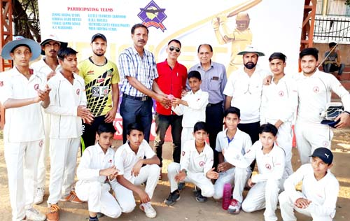 Rajesh Gill, former Ranji Trophy Player presenting match ball to Hanjala for his 5-wicket haul.