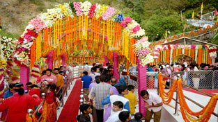 A view of the Bhawan, Atka and surrounding area decorated with flowers during Navratras.