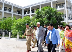 Governor visits Yatri Niwas to review Amarnathji Yatra arrangements