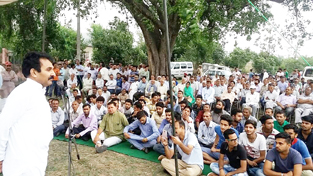 Senior Congress leader Dr Manohar Lal Sharma addressing a meeting of youth at Lakhri in Billawar on Sunday.