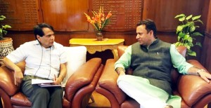 Zulfkar calls on Union Railway Minister *Stresses for starting work on Jammu-Rajouri-Poonch project