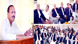 Minister for Law Abdul Haq Khan interacting with Bar Association at High Court Complex, Jammu.