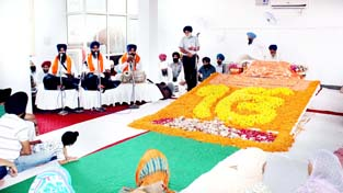 Ragis reciting Shabad Kirtan on Shaheedi Divas of Guru Arjan Dev Ji on Monday.