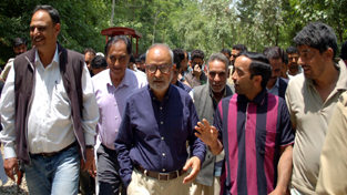 Minister for R&B, Naeem Akhter during his visit to Bandipora on Monday.