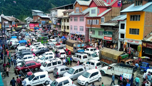 Vehicles struck in traffic jam at Bhaderwah. -Excelsior/Tilak Raj