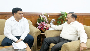 Union Minister, Dr Jitendra Singh with MLA Bhaderwah, Dilip Singh Parihar, who called on him to thank him for getting the Central Government approval of Chhatergala tunnel, at New Delhi on Wednesday.