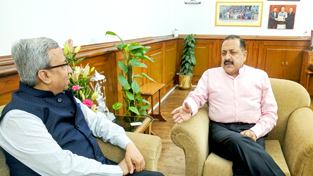 President of Federation of Indian Chambers of Commerce and Industry (FICCI), Pankaj R. Patel calling on Union Minister Dr Jitendra Singh to discuss GST rollout, at New Delhi on Friday.