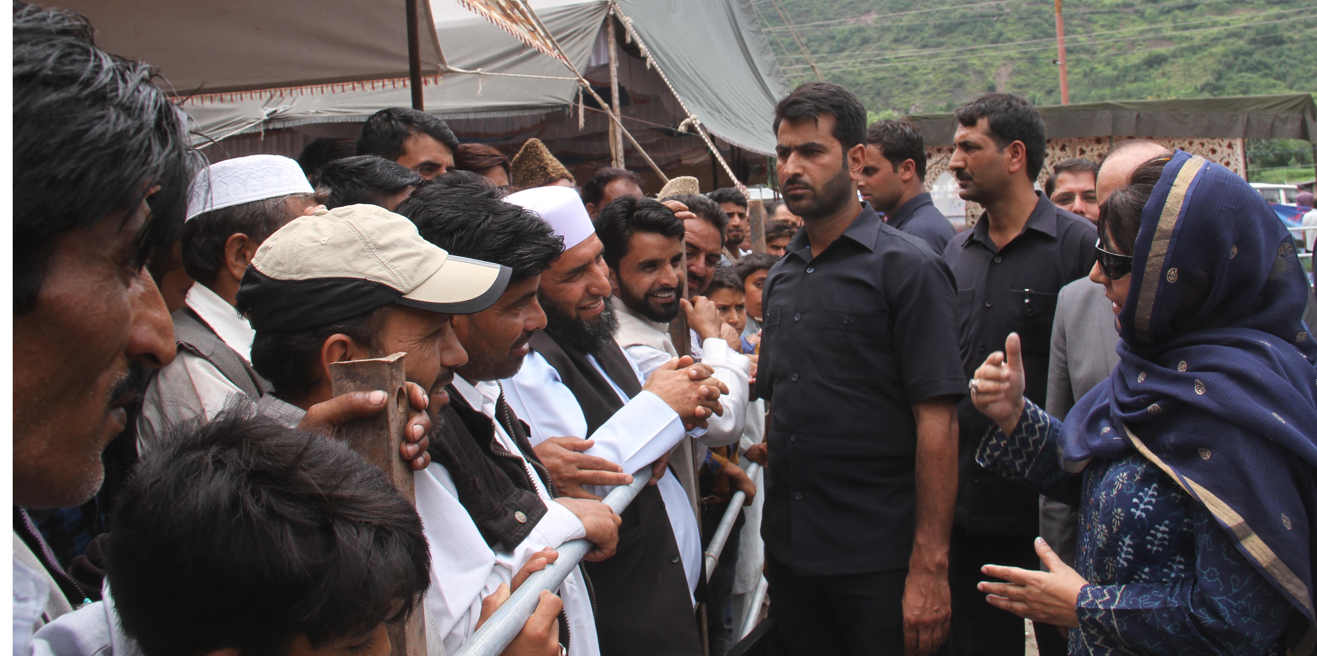 Chief Minister Mehbooba Mufti inter-acting with people at Kaman Post in Uri on Tuesday.