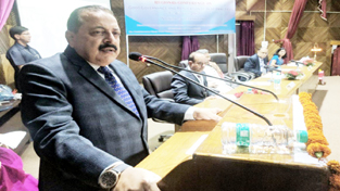 Union Minister Dr Jitendra Singh addressing the Conference on Good Governance organized by Union Ministry of Personnel at Nainital, on Saturday. Also seen are Chief Minister Uttarakhand T.S. Rawat and Union Secretary ARPG, C. Viswanath.