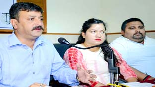 Team Jammu Chairman addressing a press conference on Sunday.    -Excelsior/Rakesh