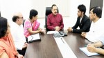 Union Minister Dr Jitendra Singh in a meeting with a delegation of  Central Government Doctors who called on him to discuss their issues, at New Delhi.