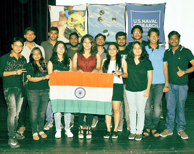Jammu girl Taavishe Gupta (Middle) and her team holding Indian Flag after winning NASA competition at USA.