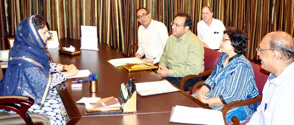 Chief Minister Mehbooba Mufti interacting with the visiting team of Inland Waterways Authority of India at Srinagar on Monday.